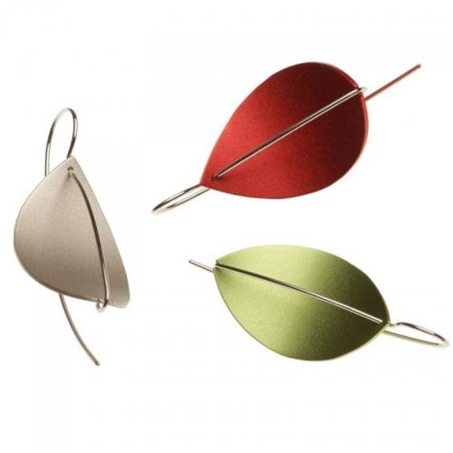 Apero Segel, ein moderner Ohrschmuck in reduzierter Gestaltung. Leicht und angenehm zu tragen.