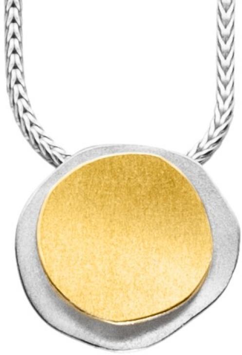 Schlichter Halsschmuck in 42 cm Länge mit einem Element mit 22 Karat Gold veredelt.