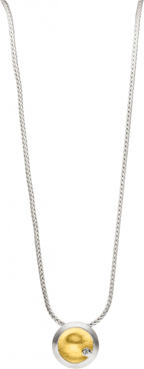 Schlichter Halsschmuck aus 925 Silber mit einem Brillanten