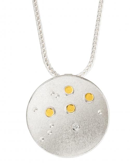 Sternenbilder in schönster Form, getragen an einer Fuchsschwanzkette in 42 cm.