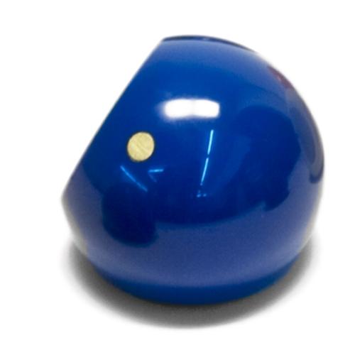 Der blaue Marilyn Ring mit goldenem Beautypoint