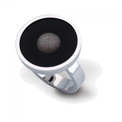Daniel Vior. Ring Moon, in Silber mit Onyx und Obsidian als Besatz. Schlicht und besonders...