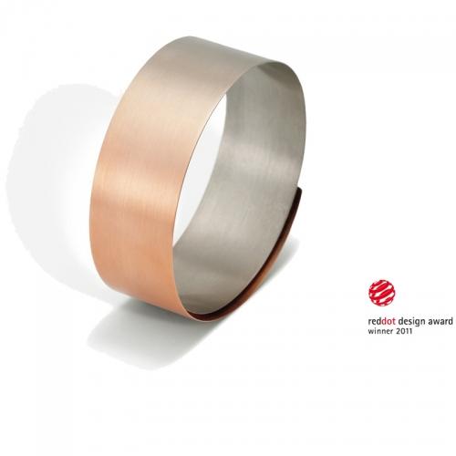Niessing aura®. Armspange in verlaufendem Rot- und Graugold 750, auf einer Breite von 25 mm. Weltklasse!