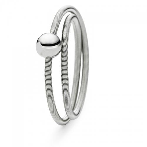 Niessing Colette Ring, zart, schön und angenehm schmiegt er sich an Ihre Hand. Spüren Sie den Wert von feinem Platin. N281522