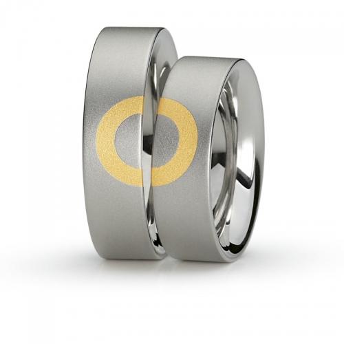 Niessing In.Love Ringe mit Beziehung in Edelstahl mit Gold 750/-. Der Kreis schließt sich zur Unendlichkeit.