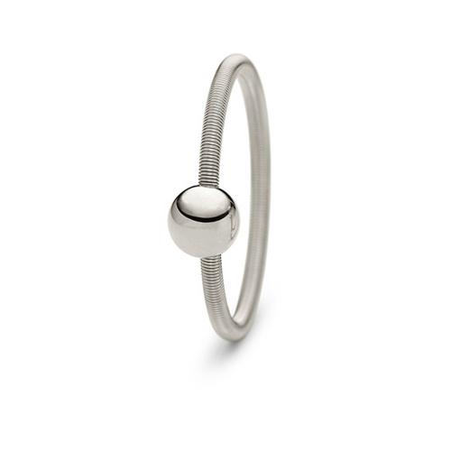 Niessing Colette Ring in 750 Graugold. N281521 grau. Ein zrater Ring der sinch weich anschmiegt und zum sammeln anregt.