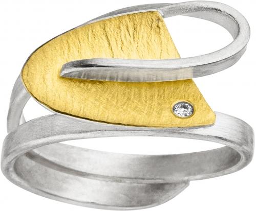 Ring in geschwungener Form in 925 Silber mit 22 Karat Gold veredelt.