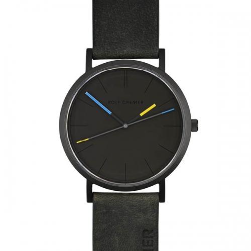 Sportliche Uhr mit farbigen Akzenten in blau und gelb. Ein Hingucker an jedem Handgelenk.