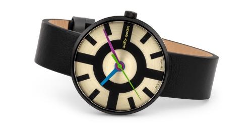 Walter Gropius Uhr mit Saphirglas, Echlederband, Miyotawerk und 5 ATM Wasserdichte. Die Uhr ist eine limited Edition.