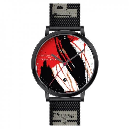Einzigartiges Design in Schwarz- Rot- Weiß, Model Heze aus der limitierten Trash Polka Kollektion.